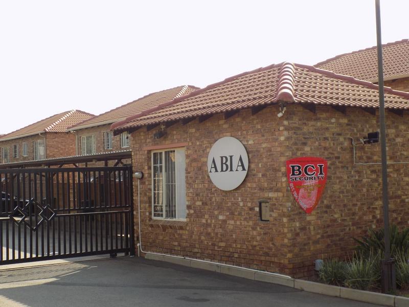 Property For Sale in Allen's Nek, Roodepoort 7