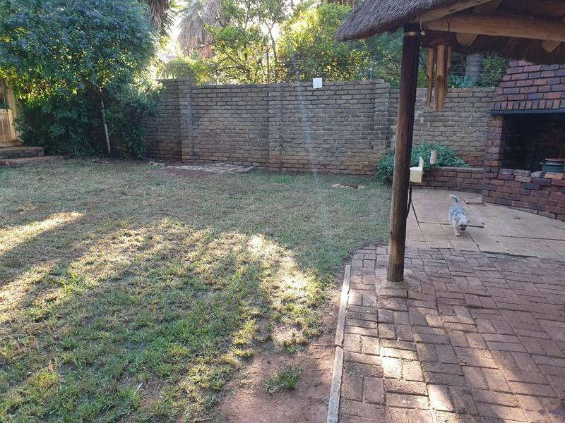 Property For Sale in Roodekrans, Roodepoort 5