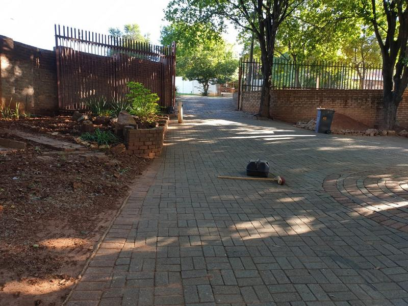 Property For Sale in Roodekrans, Roodepoort 14