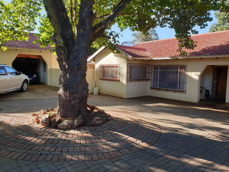 Property For Sale in Roodekrans, Roodepoort 16