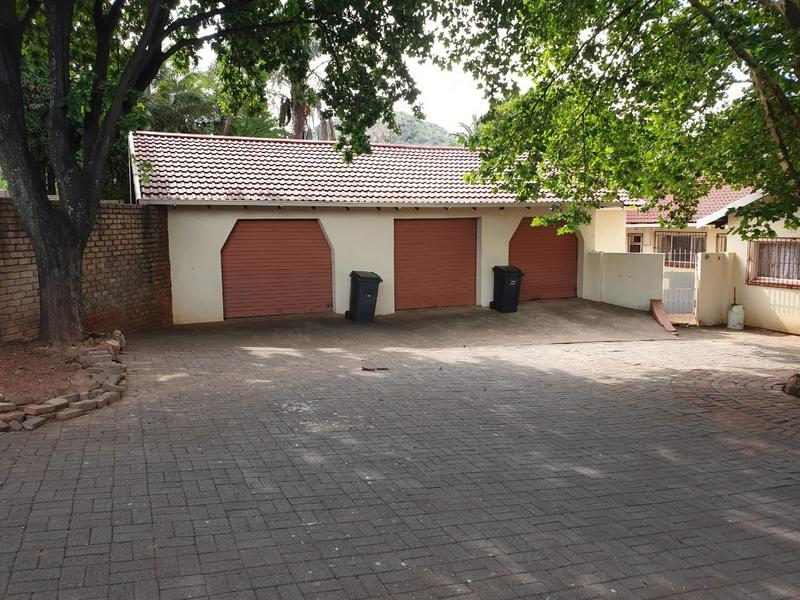Property For Sale in Roodekrans, Roodepoort 23
