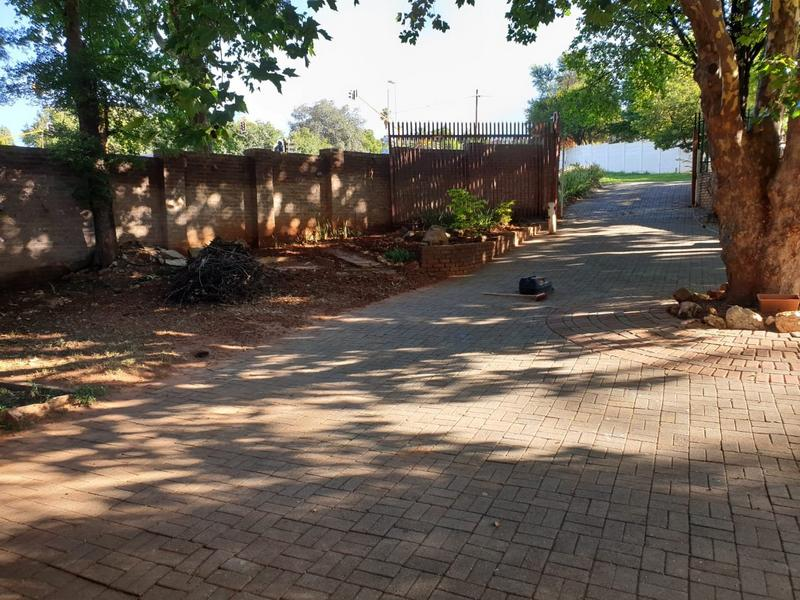Property For Sale in Roodekrans, Roodepoort 28