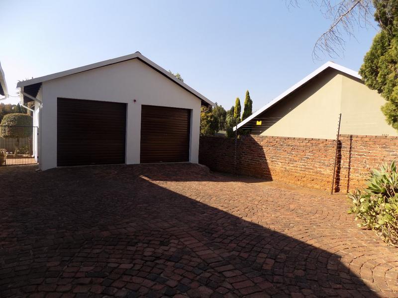 Property For Sale in Weltevreden Park, Roodepoort 18