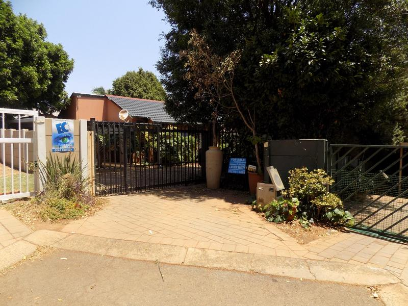 Property For Sale in Radiokop, Roodepoort 27