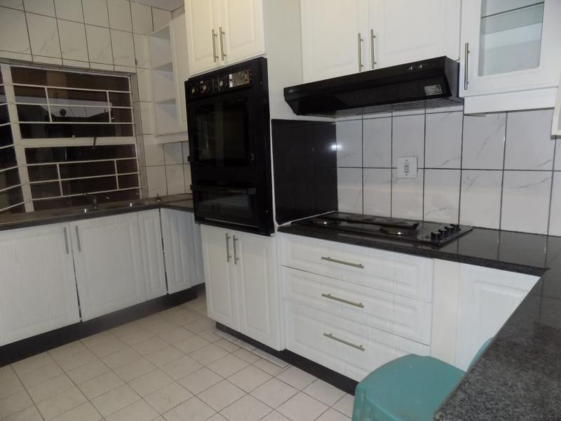 Property For Sale in Florida, Roodepoort 3