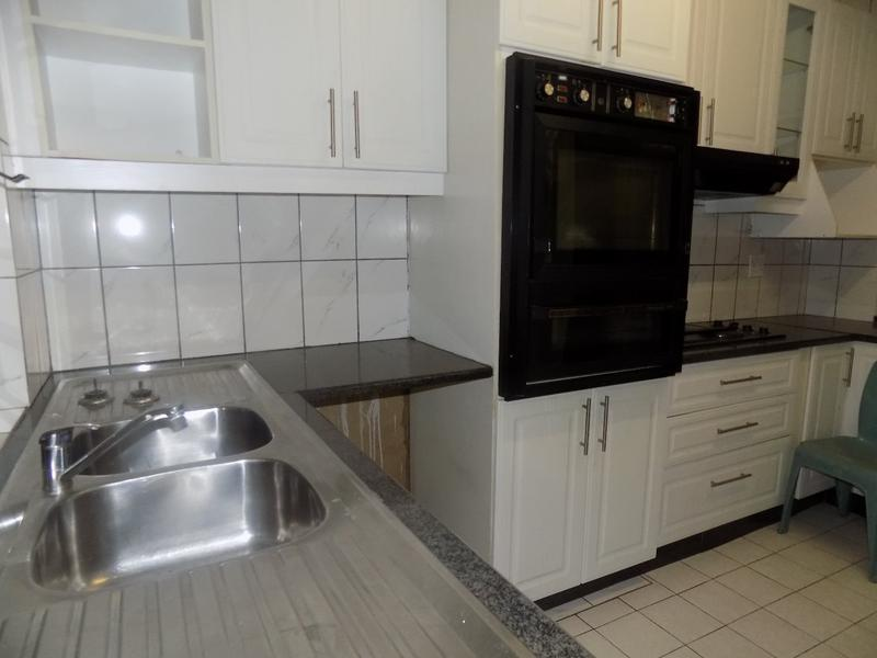 Property For Sale in Florida, Roodepoort 5