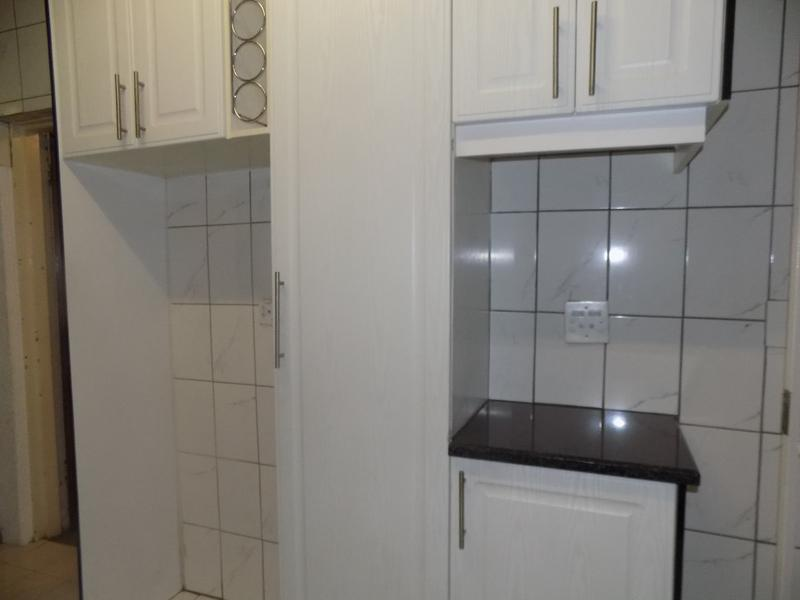 Property For Sale in Florida, Roodepoort 8
