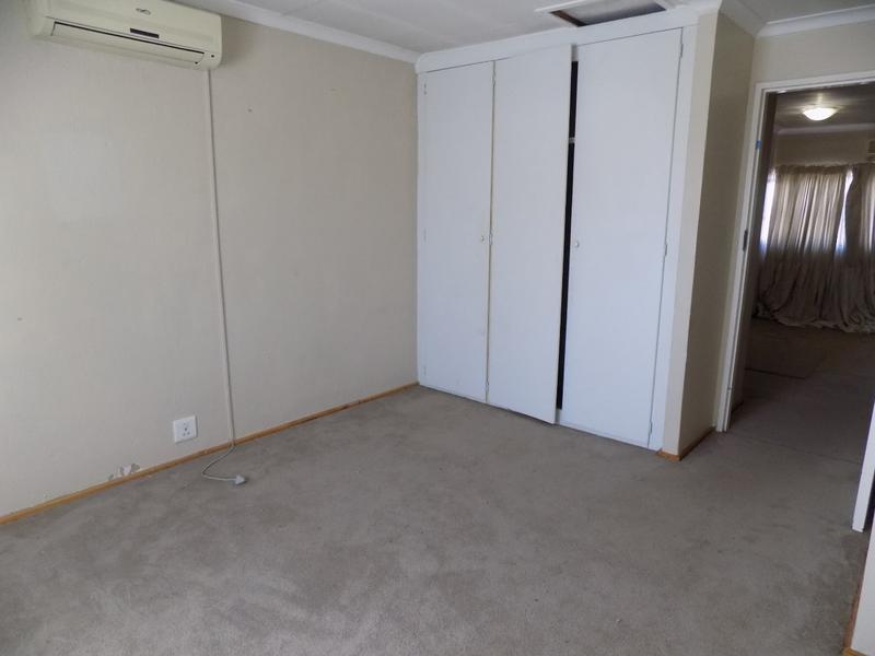 Property For Sale in Weltevreden Park, Roodepoort 14