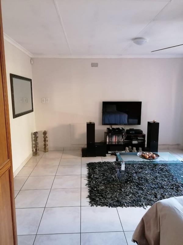 Property For Rent in Weltevreden Park, Roodepoort 3