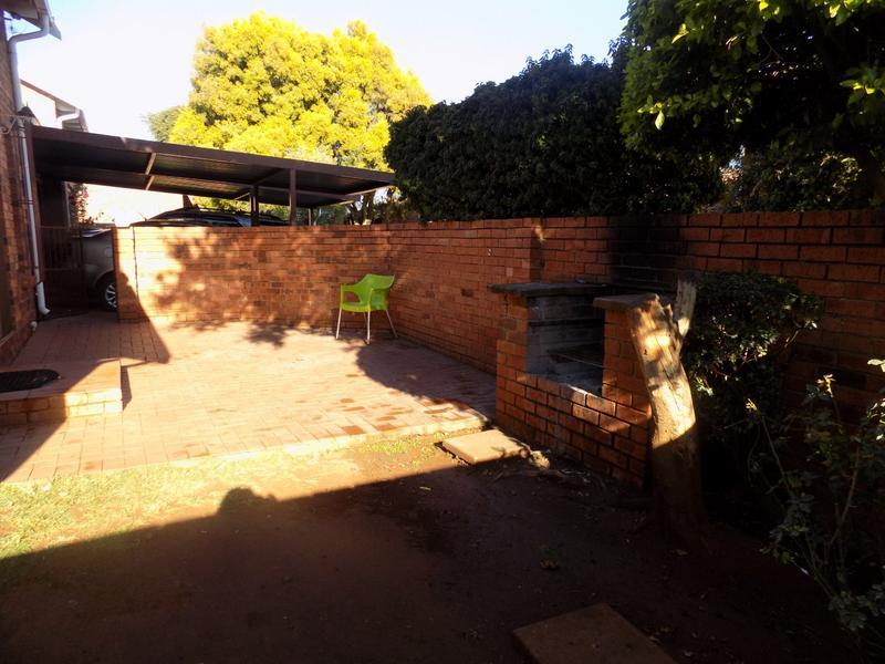 Property For Rent in Weltevreden Park, Roodepoort 15