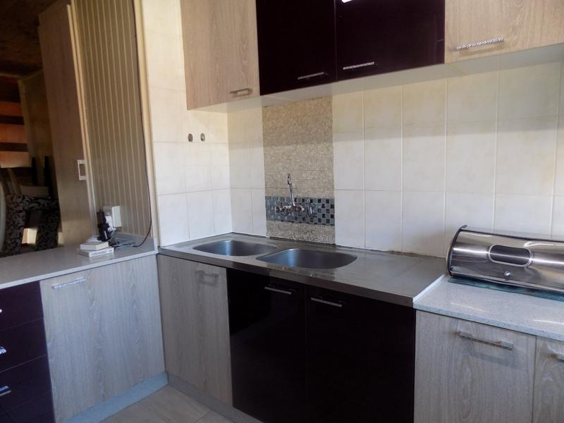 Townhouse For Rent in Florida, Roodepoort
