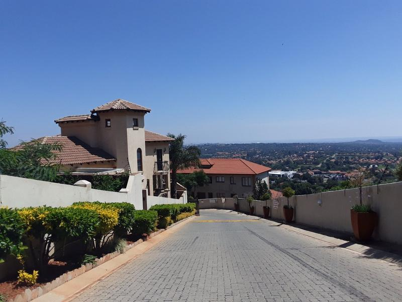 Apartment / Flat For Rent in Constantia Kloof, Roodepoort