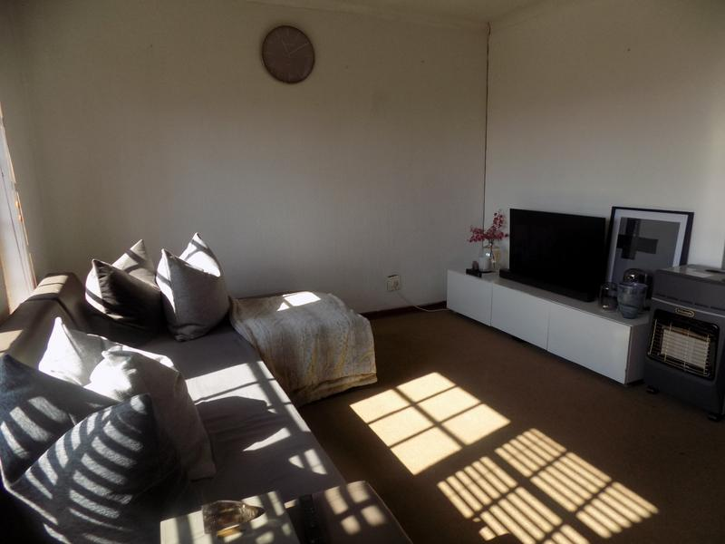Property For Rent in Constantia Kloof, Roodepoort 4