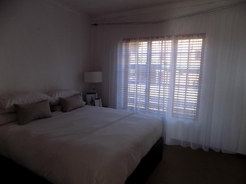 Property For Rent in Constantia Kloof, Roodepoort 5