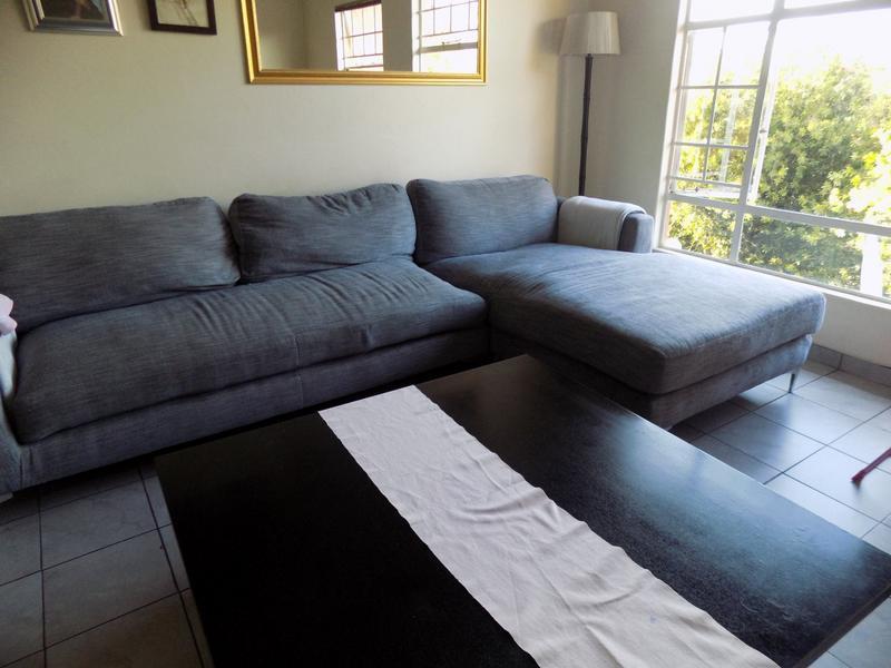 Apartment / Flat For Sale in Weltevreden Park, Roodepoort