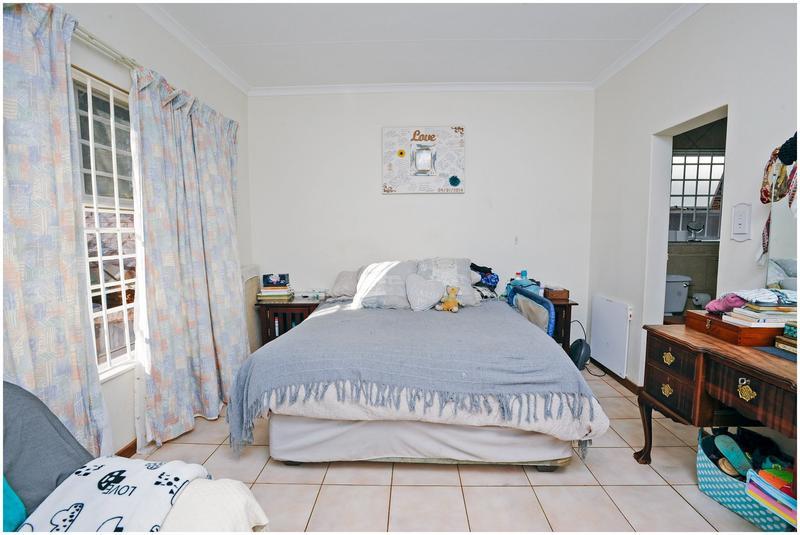 Property For Sale in Weltevreden Park, Roodepoort 25