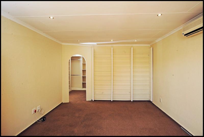 Property For Sale in Sundowner, Randburg 12