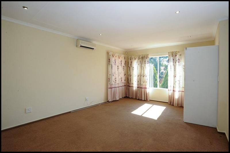 Property For Sale in Sundowner, Randburg 17