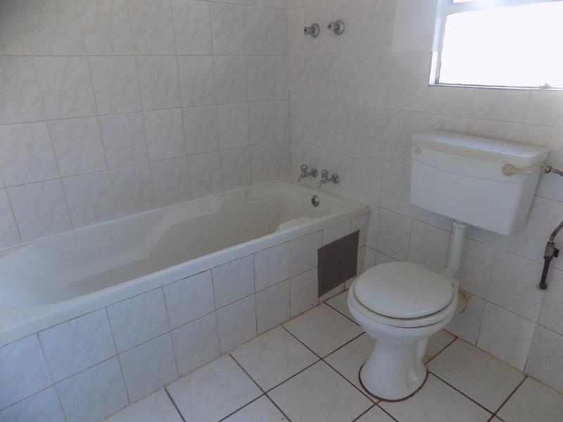 Property For Rent in Weltevreden Park, Roodepoort 8