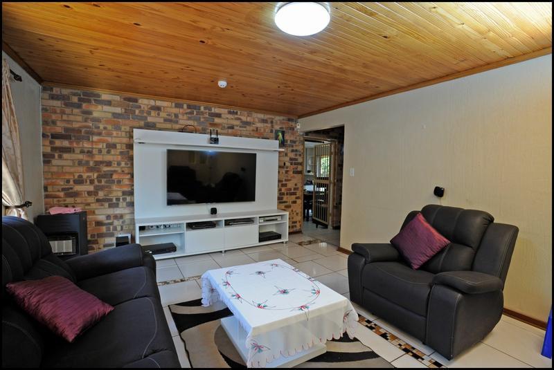 Property For Sale in Weltevreden Park, Roodepoort 5
