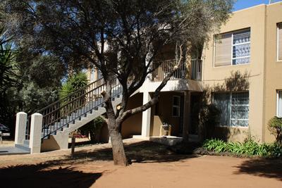 Property For Rent in Little Falls, Roodepoort