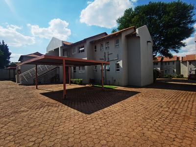 Apartment / Flat For Rent in Fairland, Randburg