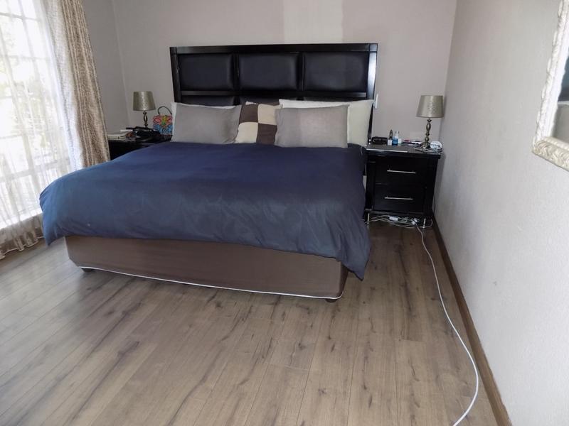 Property For Rent in Weltevreden Park, Roodepoort 20