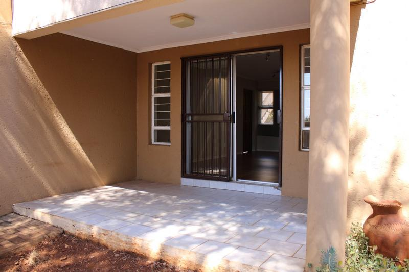 Property For Rent in Little Falls, Roodepoort 3