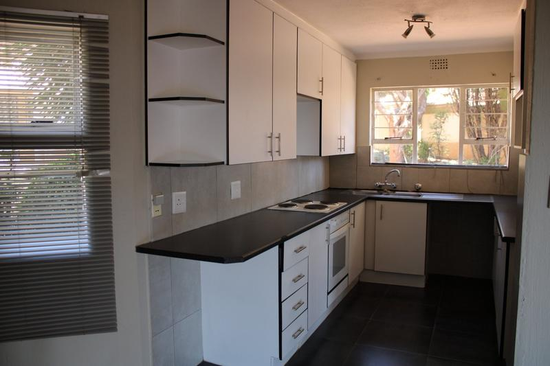Property For Rent in Little Falls, Roodepoort 5