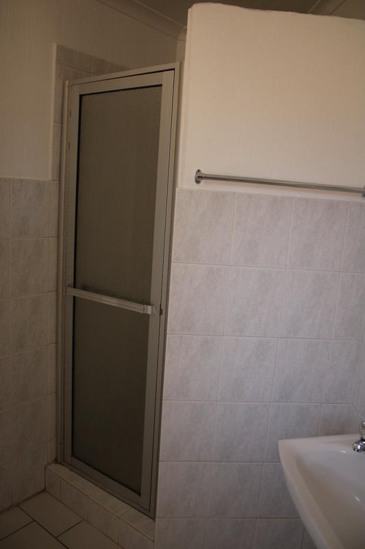 Property For Rent in Little Falls, Roodepoort 14