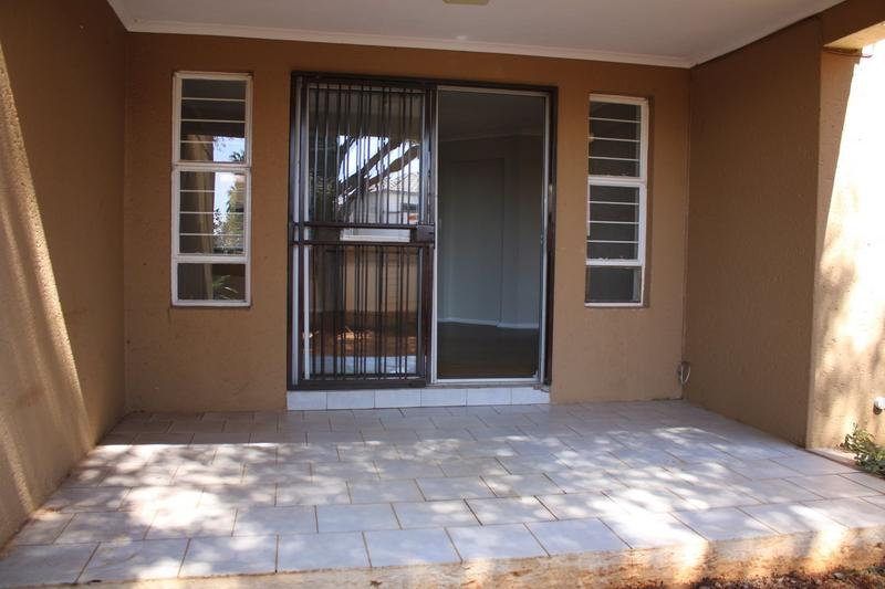 Property For Rent in Little Falls, Roodepoort 17