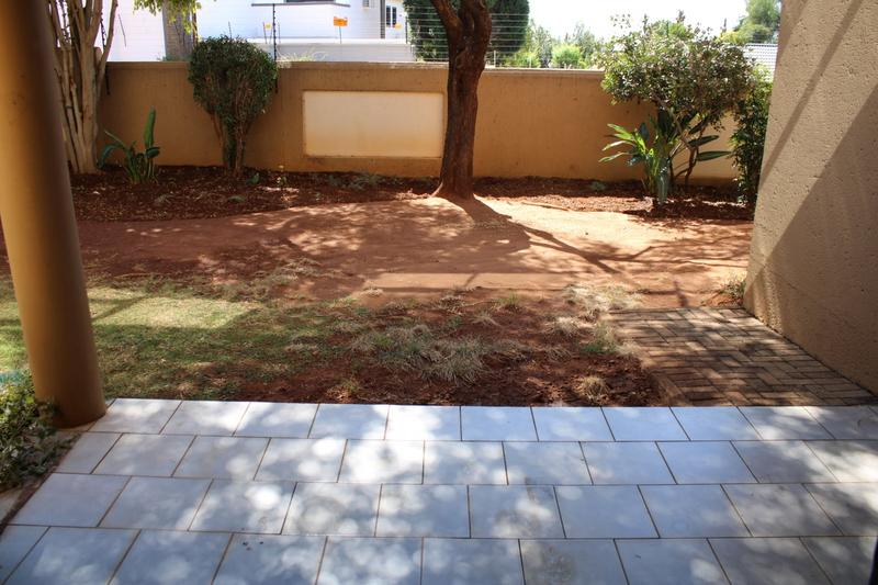 Property For Rent in Little Falls, Roodepoort 18