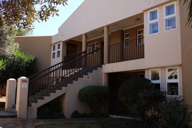 Property For Rent in Little Falls, Roodepoort 19