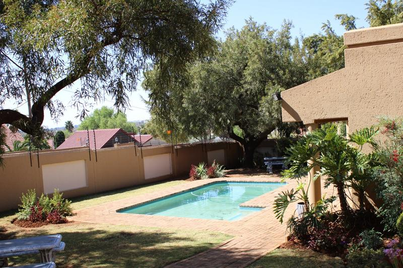 Property For Rent in Little Falls, Roodepoort 20