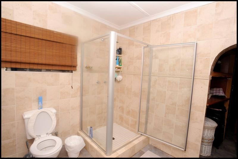 Property For Sale in Weltevreden Park, Roodepoort 16