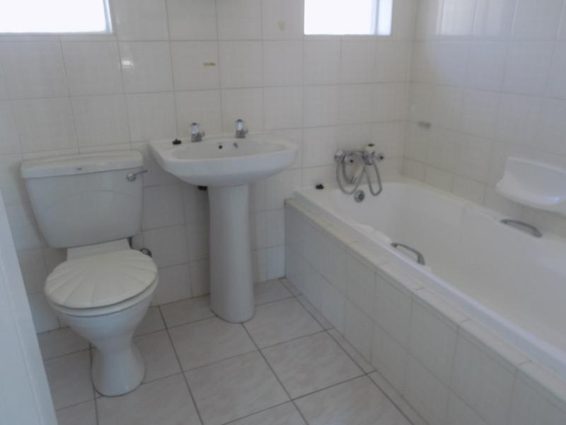 Property For Rent in Fairland, Randburg 9