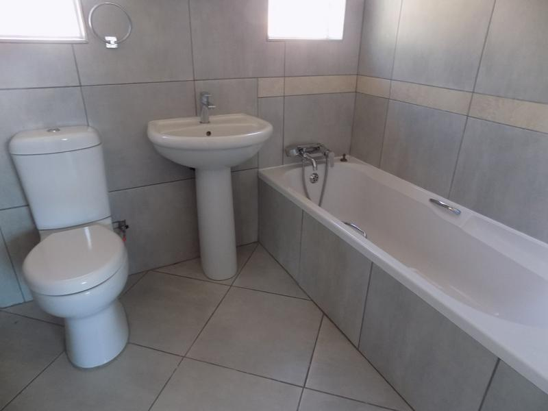 Property For Rent in Fairland, Randburg 14
