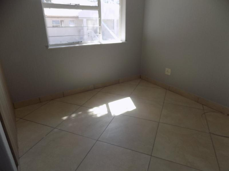 Property For Rent in Fairland, Randburg 16