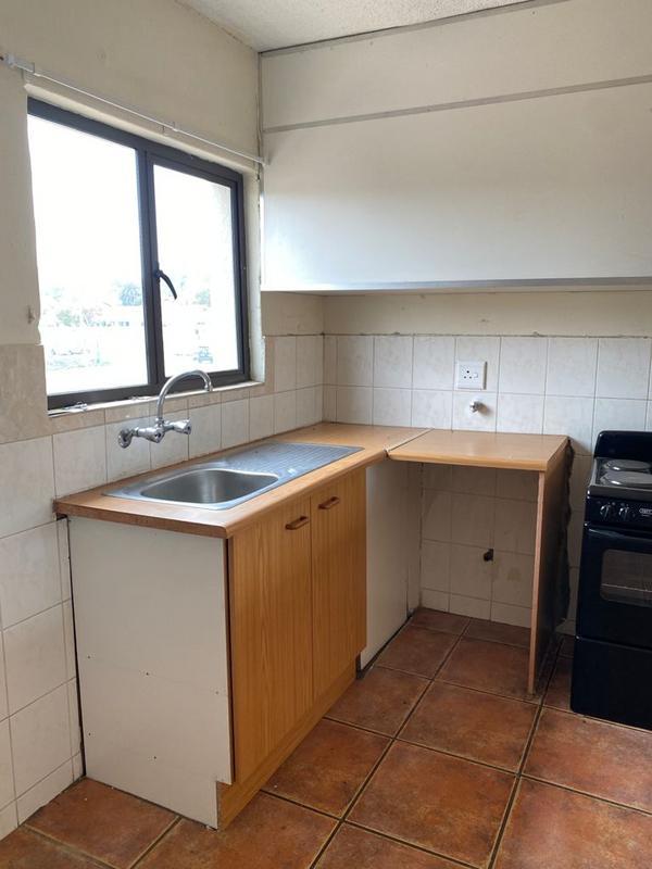Apartment / Flat For Rent in Weltevreden Park, Roodepoort